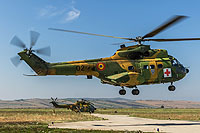 Helicopter-DataBase Photo ID:14107 IAR-330M Puma Romanian Air Force 02 cn:1313