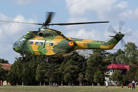 Helicopter-DataBase Photo ID:14105 IAR-330L Puma Romanian Air Force 100 cn:121