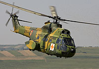 Helicopter-DataBase Photo ID:5650 IAR-330M Puma MEDEVAC Romanian Air Force 49 cn:66