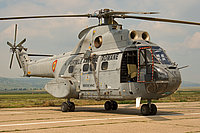 Helicopter-DataBase Photo ID:4303 IAR-330L Puma MEDEVAC Romanian Air Force 75 cn:126