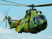 Helicopter-DataBase Photo ID:4302 IAR-330M Puma Romanian Air Force 87 cn:122