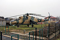 Helicopter-DataBase Photo ID:15489 Mi-24D private Szajol 577 cn:220577