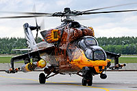 "Helicopter-DataBase Photo ID:6115 Mi-24V 86th ""Szolnok"" Helicopter Base 716 cn:220716"