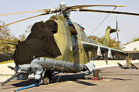 Helicopter-DataBase Photo ID:1629 Mi-24D Vertol Systems Company Inc N114VS cn:04395