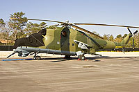Helicopter-DataBase Photo ID:10722 Mi-24D Vertol Systems Company Inc N114VS cn:04395