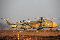 Helicopter-DataBase Photo ID:14070 Mi-8T 6th Independent Helicopter Squadron 22 yellow cn:4737
