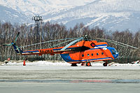 Helicopter-DataBase Photo ID:13122 Mi-8T Petropavlovsk-Kamchatskoe Air Enterprise RA-25618 cn:99150841