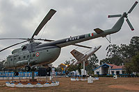 Helicopter-DataBase Photo ID:11060 Mi-8T Indian Air Force Z1372 cn:22316